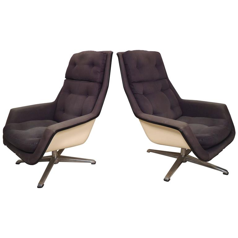 High Quality Unique Mid Century Fiberglass Chairs By Robin Day For Sale