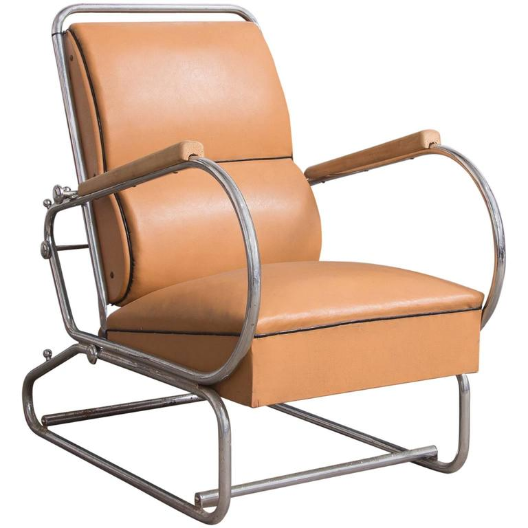 Adjustable Tubular Easy Chair In Original Leather + Wooden Armrests, Circa  1930 For Sale