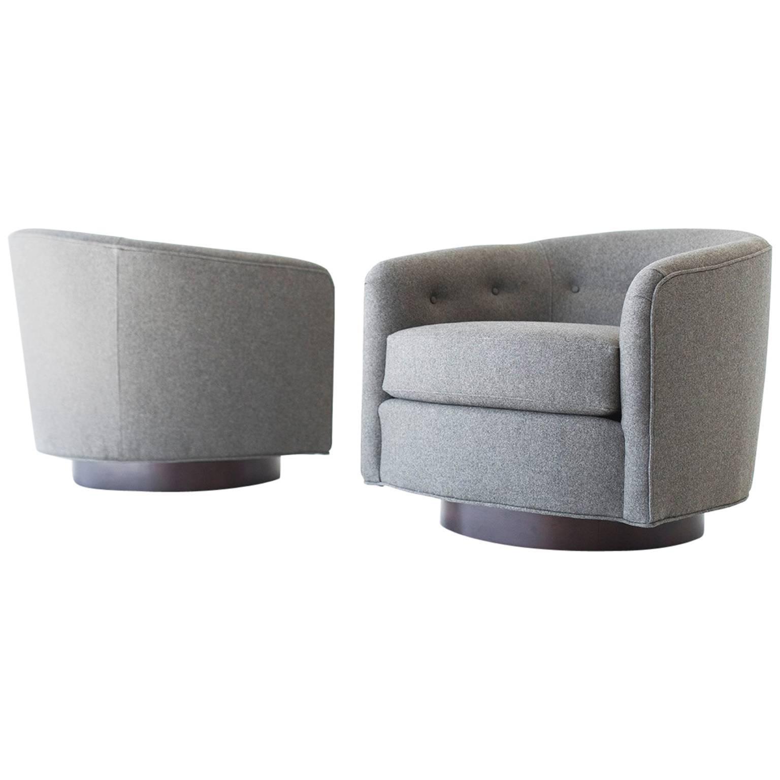 Modern Selig Lounge Chairs