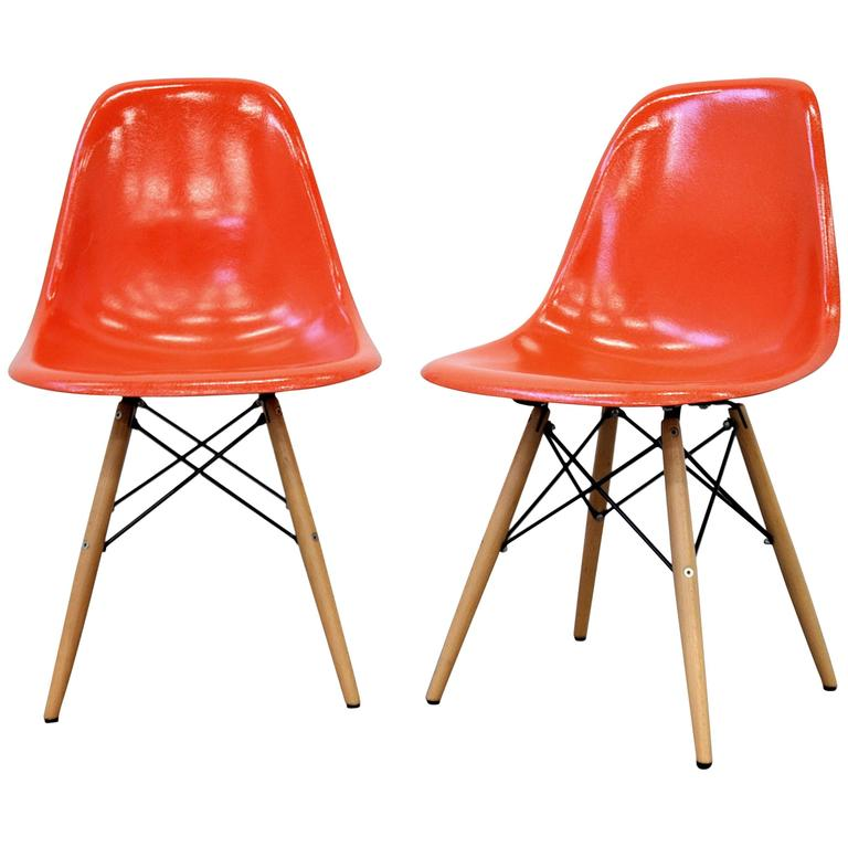 pair of eames herman miller orange fiberglass dowel chairs for sale at 1stdibs. Black Bedroom Furniture Sets. Home Design Ideas