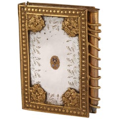 19th Century Dance Card in Mother-of-Pearl and Gilded Bronze, Palais-Royal Work