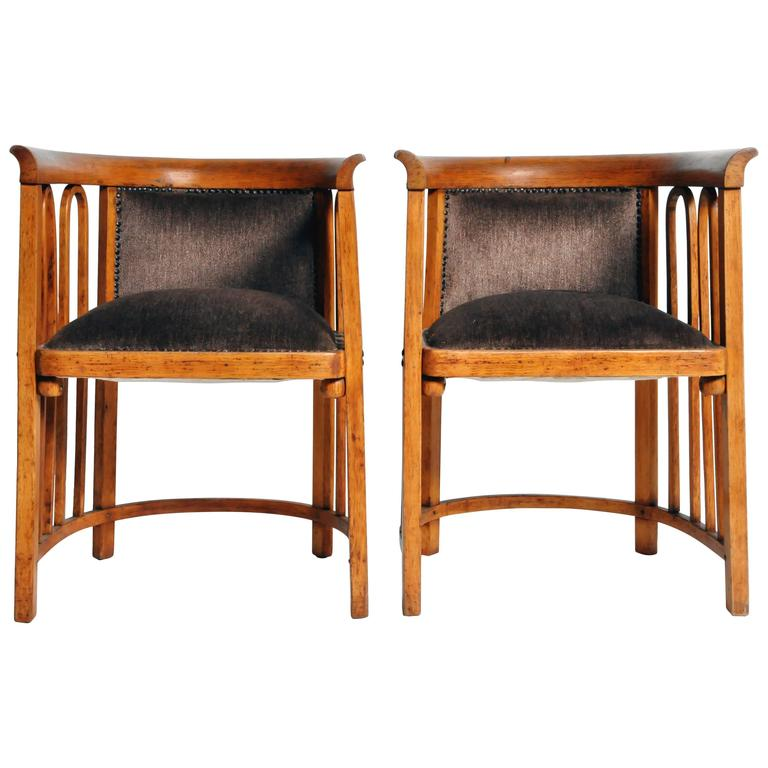 Exceptionnel Pair Of Sitzmaschine Chairs By Josef Hoffmann For Sale