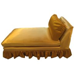 Skirted Chaise in Gold Velvet and Silk, Mid-Century