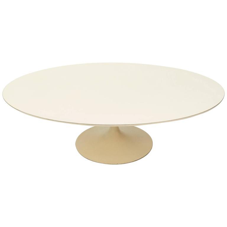 Early Knoll Tulip Base Coffee Table by Eero Saarinen, 1950s For Sale