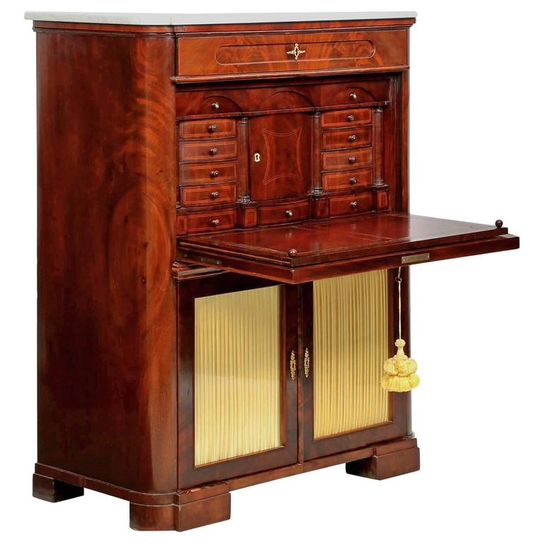 19th Century American Classical Style Mahogany Antique Secretary Writing  Desk For Sale - 19th Century American Classical Style Mahogany Antique Secretary