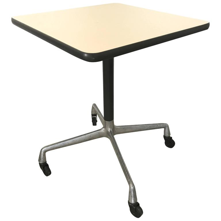 Charmant Eames Aluminium Group Side Table For Herman Miller For Sale