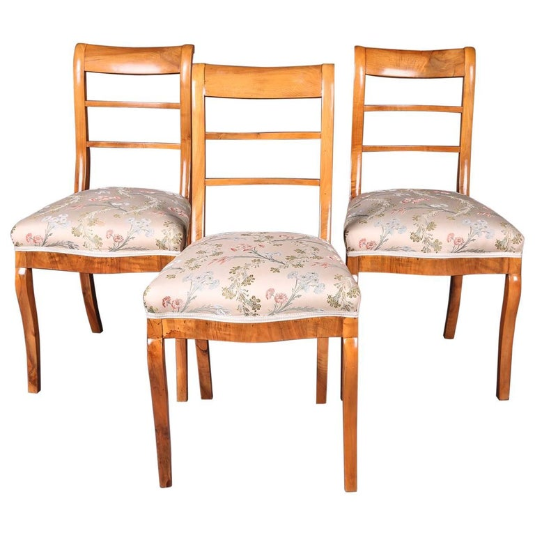 Early 19th Century Three Biedermeier Curved Legs Set of Chairs For Sale