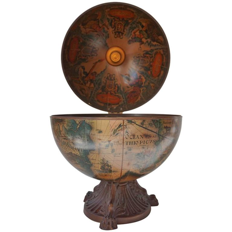 Italian World Globe Dry Bar, circa 1960s For Sale