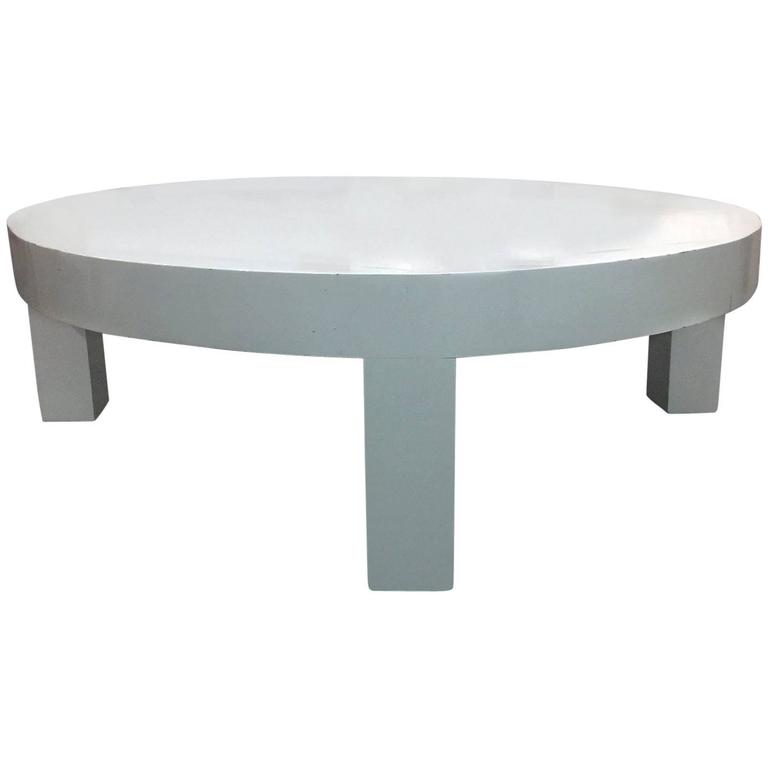 White lacquer circular coffee table at 1stdibs for Lacquer coffee table