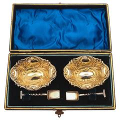 Cased Pair of 20th Century Edwardian Silver Plated Salts