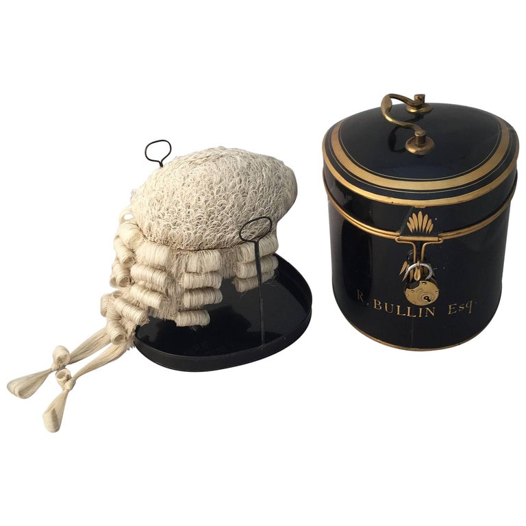 English Barrister's Wig in Tole Box with Riser by Ravenscroft Law For Sale