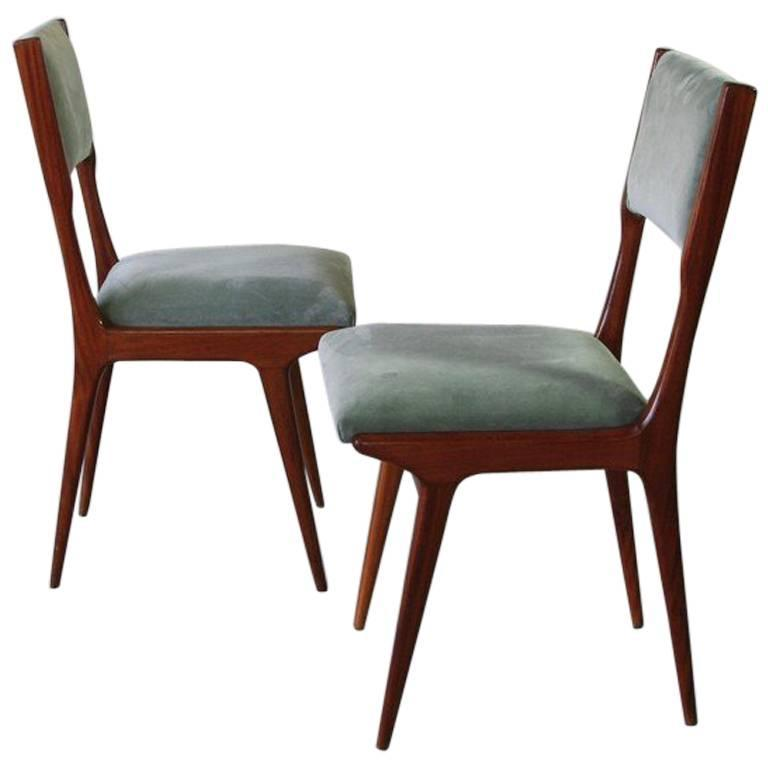 Pair of Chairs in the Style of Carlo di Carli