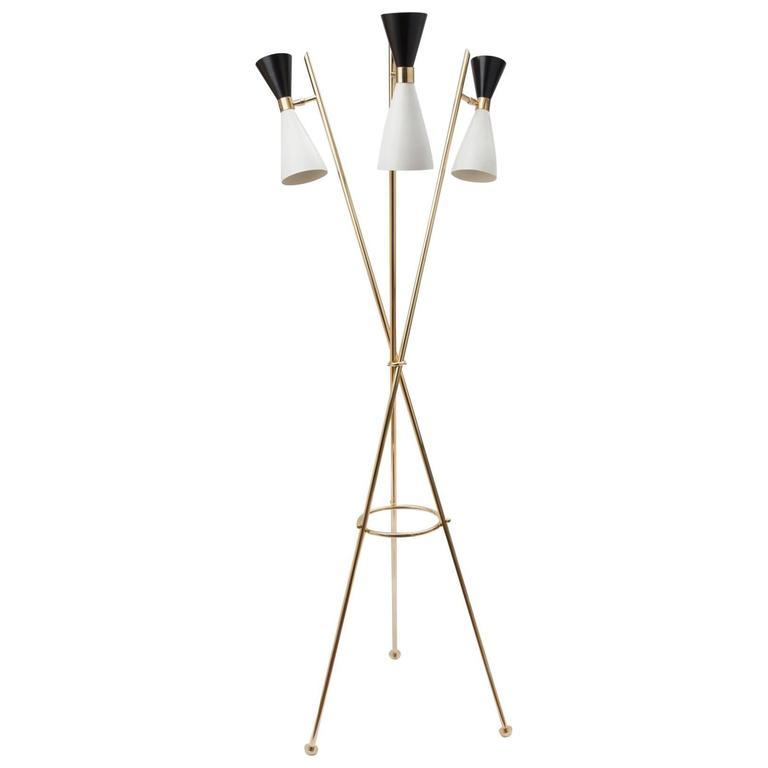 Moderno Tripod Floor Lamp