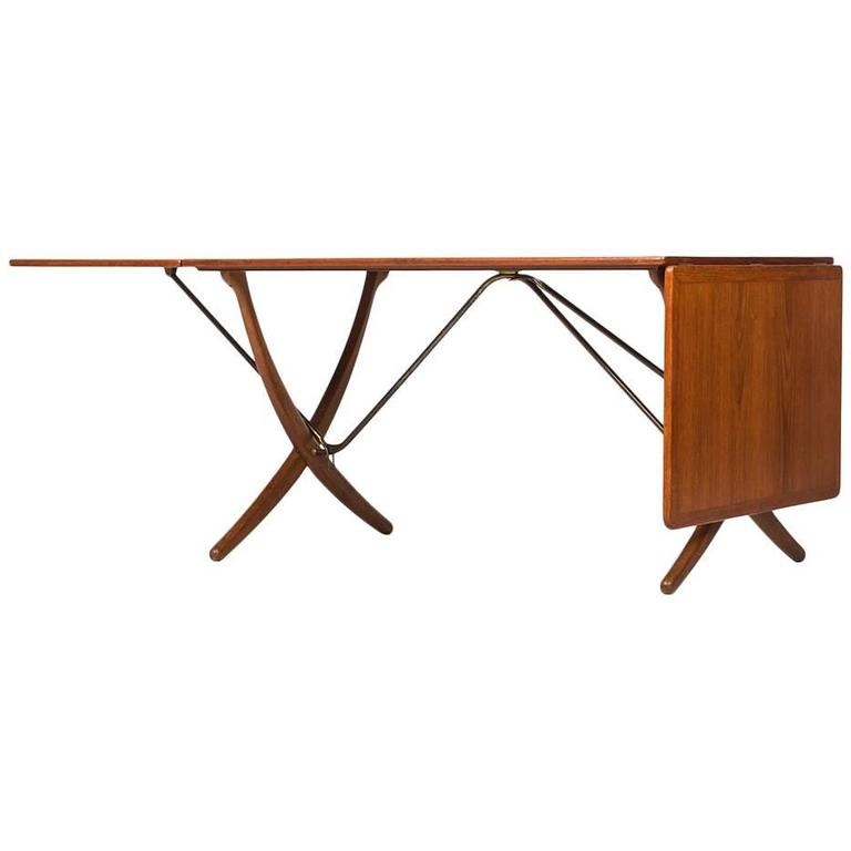 Hans Wegner Dining Table Model AT-304 by Andreas Tuck in Denmark