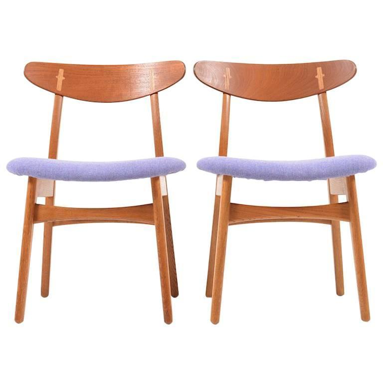 Charmant Pair Of Early Hans Wegner U201cCH 30u201d Chairs