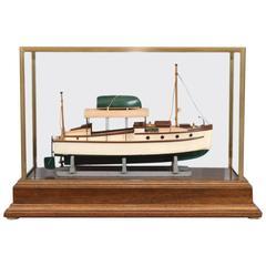 Gray Marine Builder's Model