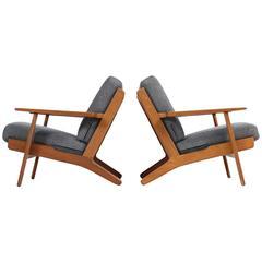 Fantastic Pair of Hans J. Wegner Low Lounge Easy Chairs Mod. GE 290 Oak GETAMA