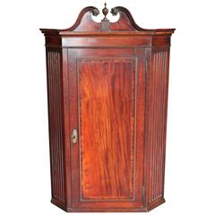 George III Mahogany Hanging Corner Cupboard in the Chippendale Style, circa 1760