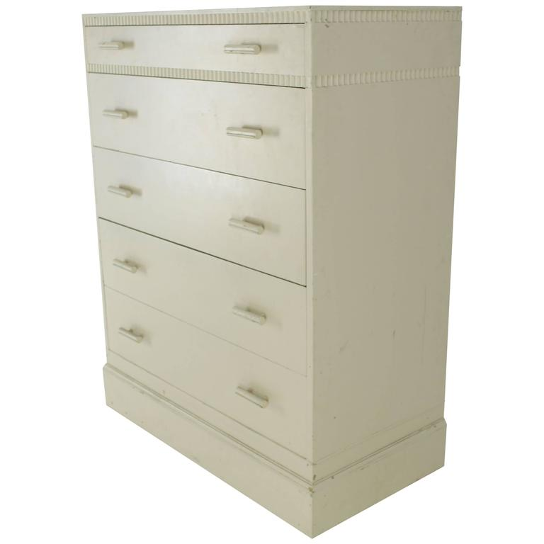 kittinger white painted tall 5 drawers chest dresser for sale at 1stdibs. Black Bedroom Furniture Sets. Home Design Ideas