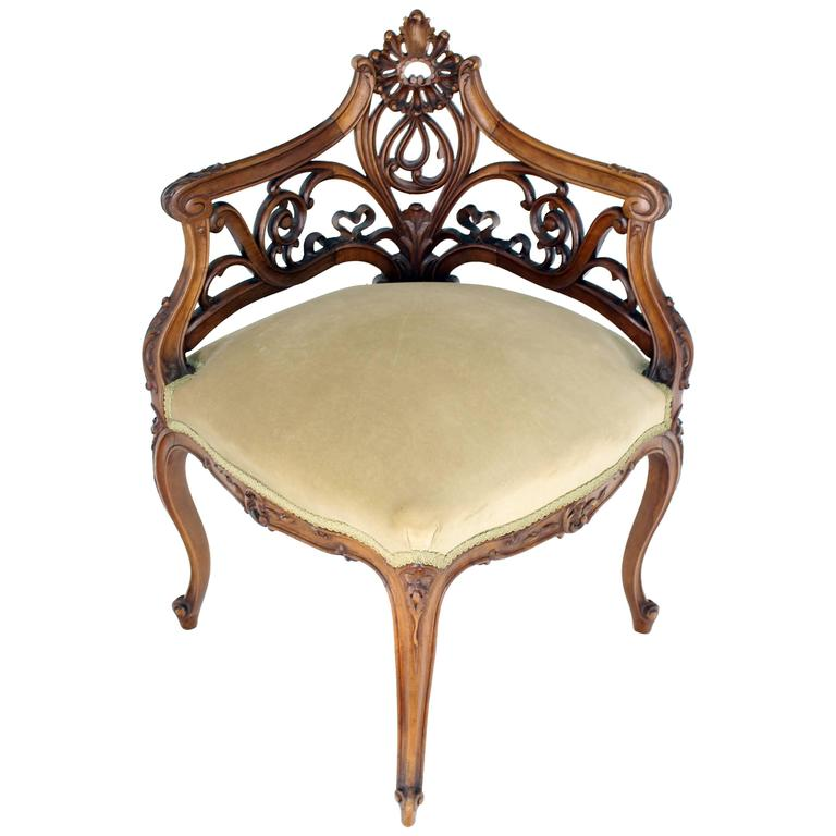 Superieur Carved Walnut Art Nouveau French Corner Chair For Sale