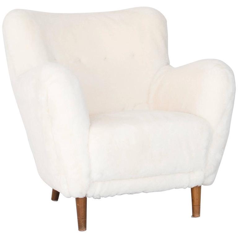 Model 1669 White Sheepskin Fritz Hansen Easy Chair For Sale