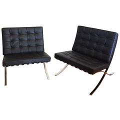 Pair of Ludwig Mies van der Rohe Barcelona Chairs Two Knoll Edition