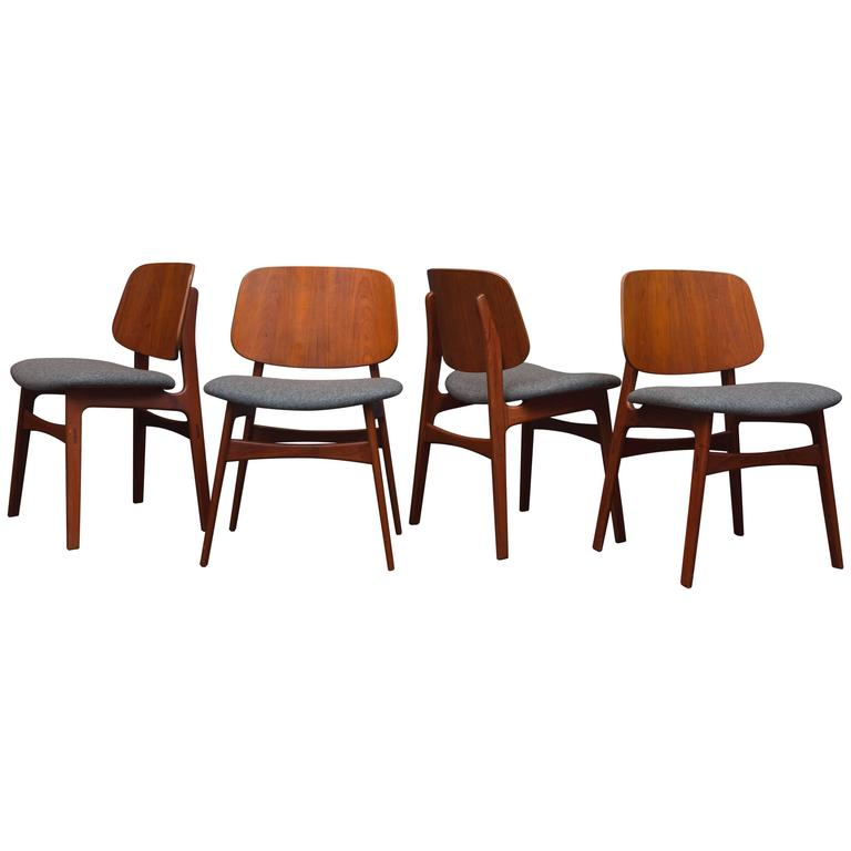 Børge Mogensen Eight Dining Chairs For Sale