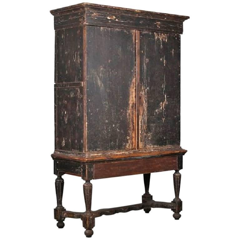 18th Century Swedish Cabinet with Japonism Painted