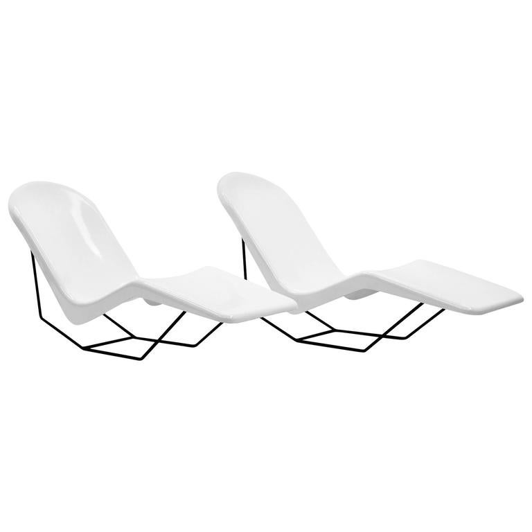 Pair of 1960s fiberglass patio or pool chaise lounge for S shaped chaise lounge chairs