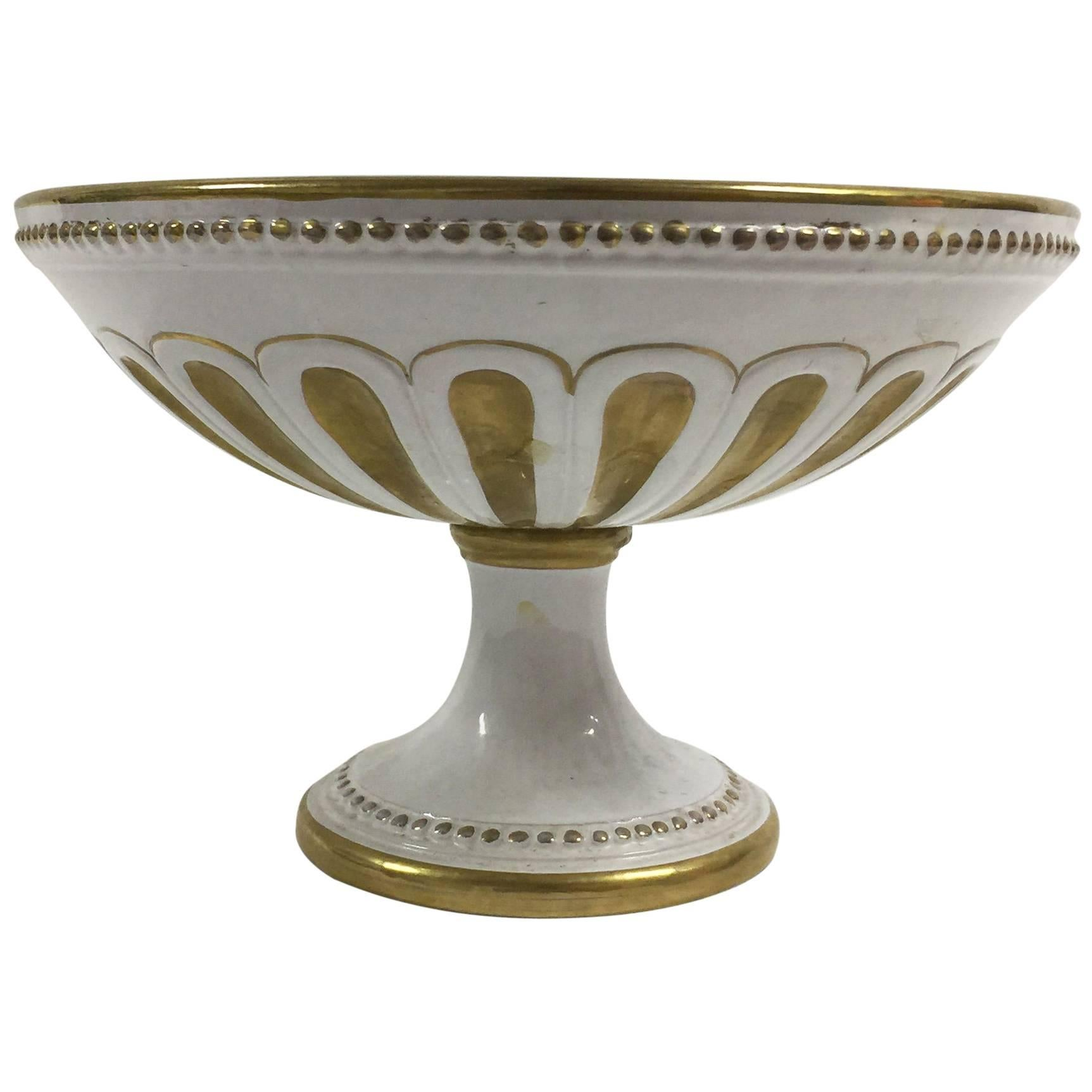White Porcelain and Gold Centrepiece Footed Bowl by Ugo Zaccagnini