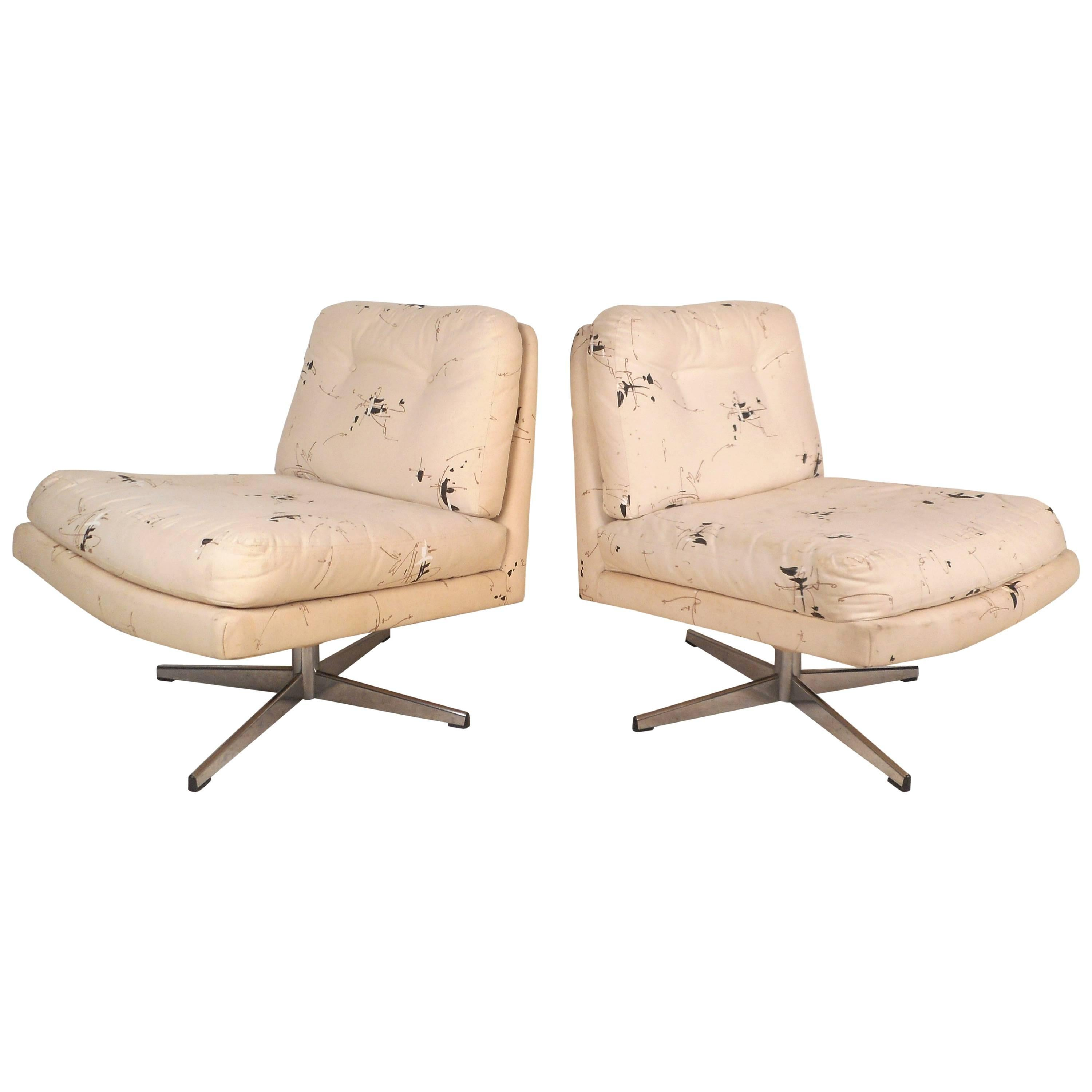 Mid-Century Modern Swivel Lounge Chairs in the Style of Milo Baughman