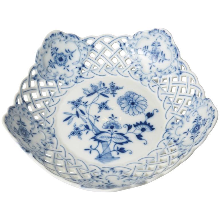 Meissen Blue Onion Centre or Fruit Bowl