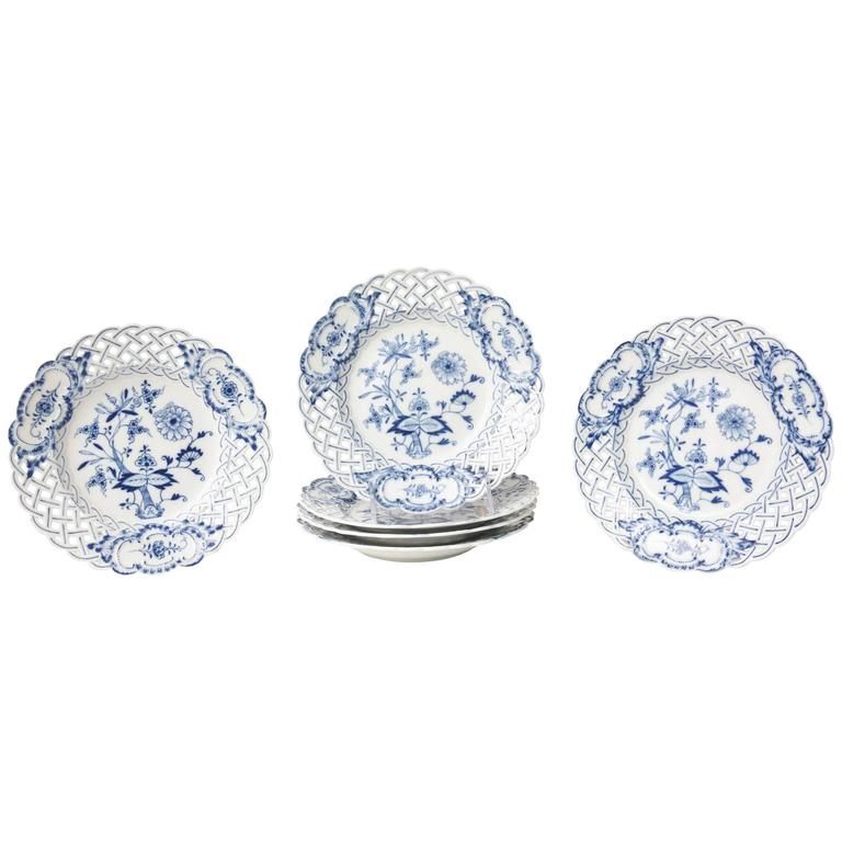 Six Meissen Reticulated Blue Onion Dessert Plates For Sale  sc 1 st  1stDibs & Six Meissen Reticulated Blue Onion Dessert Plates at 1stdibs