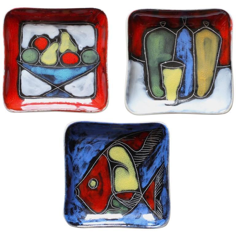 Colorful and Vibrant Set of Italian Glazed Sgraffito San Marino Ceramic Dishes