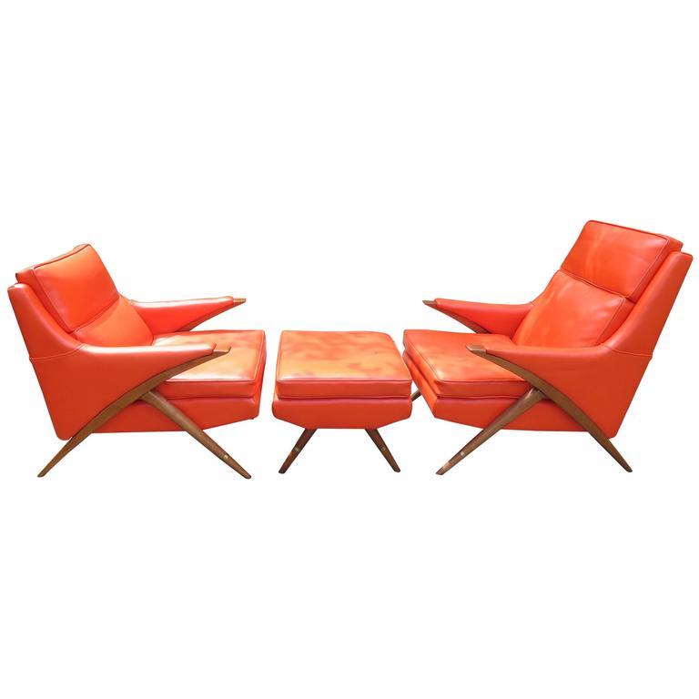 Pair of Momma Poppa Bear Style Karpen Lounge Chairs, Mid-Century Modern