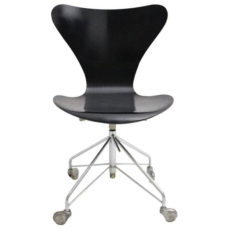 Black Swivel Office Chair by Arne Jacobsen, 1950s, Denmark