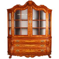 Vitrine with Inlay made of Mahogany and Maple in the Dutch Baroque Style