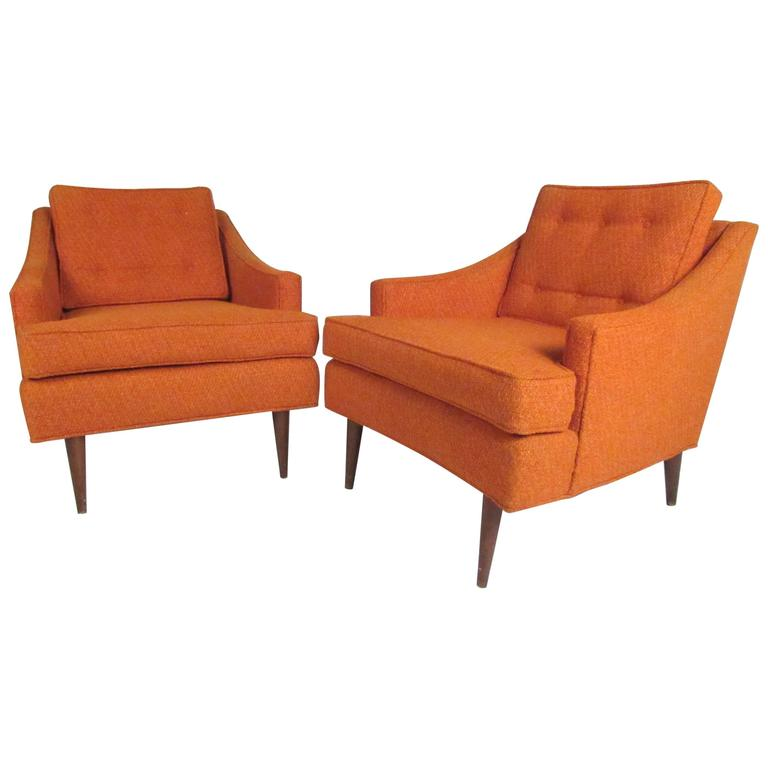 Stylish Pair Of Mid Century Modern Club Chairs For Sale At