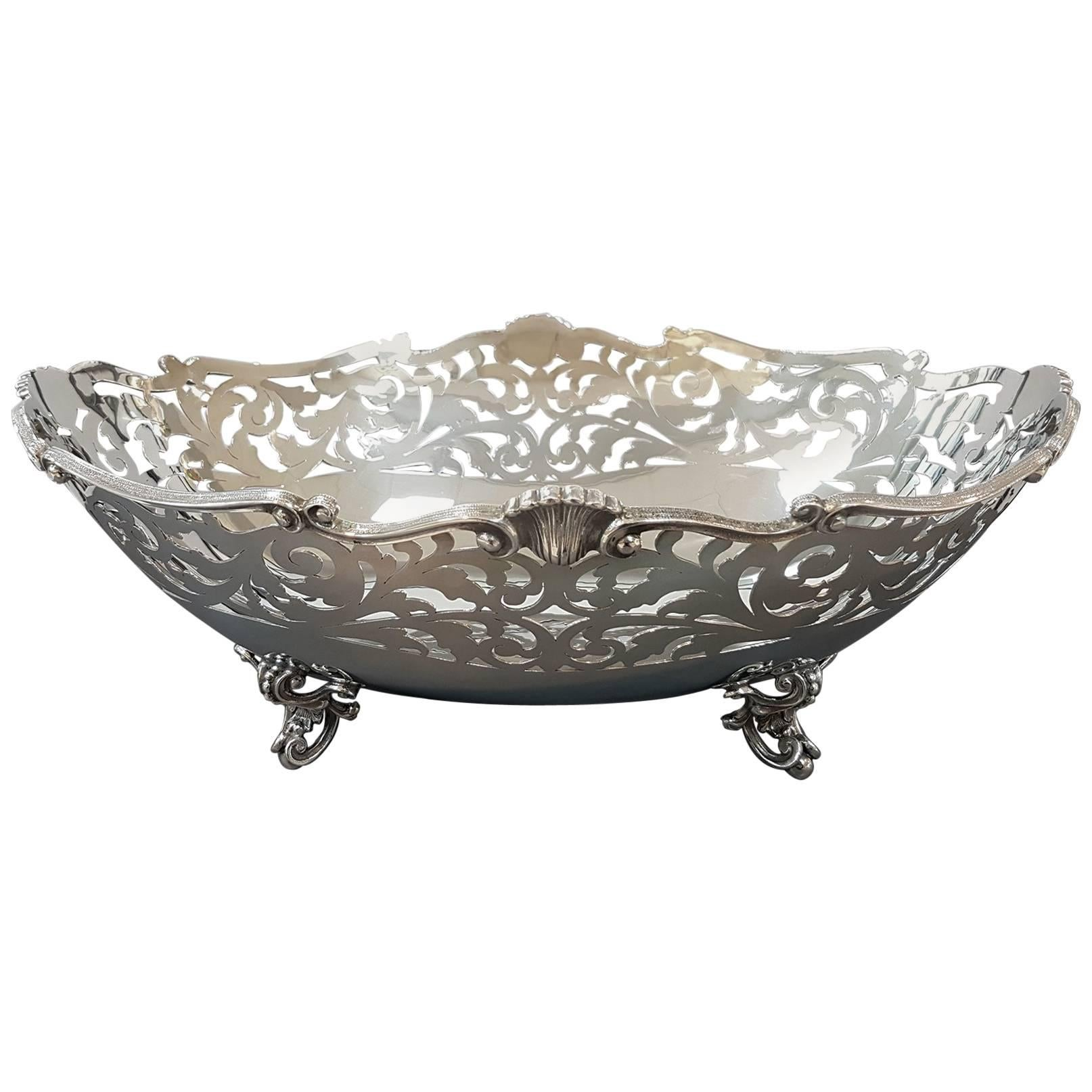 20th Century Sterling Silver Pierced Centrepiece. Handicrafts made in Italy