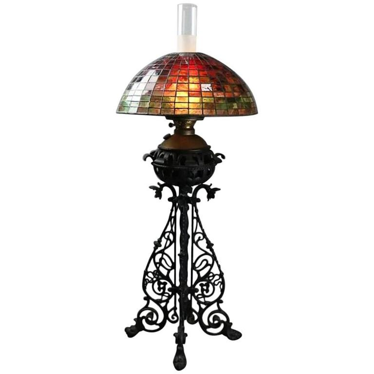 Arts & Crafts Bradley Hubbard Style Leaded Glass and Iron Table Lamp, circa 1910 For Sale