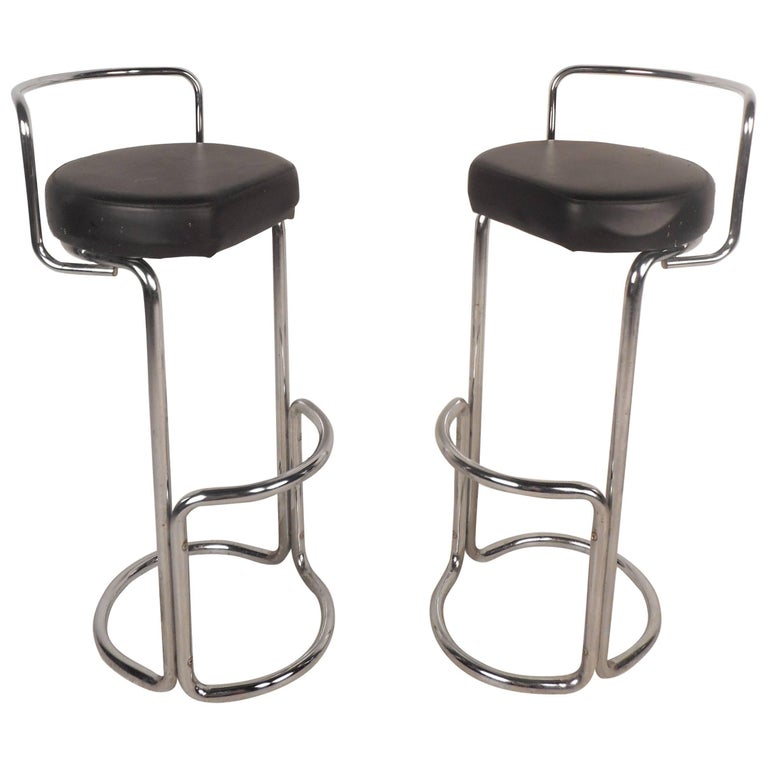Unusual Pair of Mid-Century Modern Bar Stools For Sale