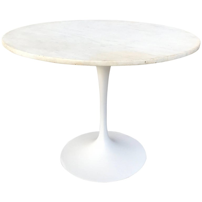 Eero Saarinen Tulip Base Dining Table with White Carrara Marble Top