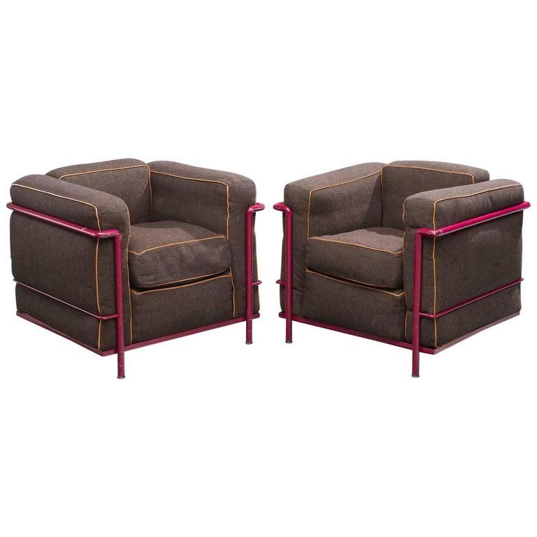 Le Corbusier Perriand and Jeanneret LC2 for Cassina For Sale at 1stdibs