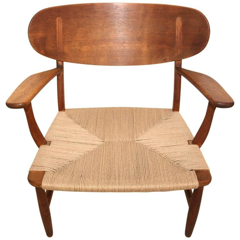 hans wegner ch22 lounge chair for carl hansen for sale at 1stdibs. Black Bedroom Furniture Sets. Home Design Ideas