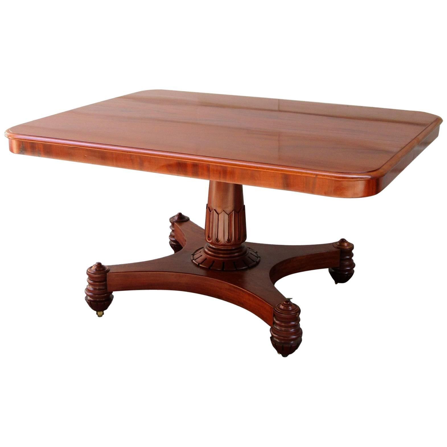 Early 19th Century English Regency Mahogany Tilt-Top Breakfast Table