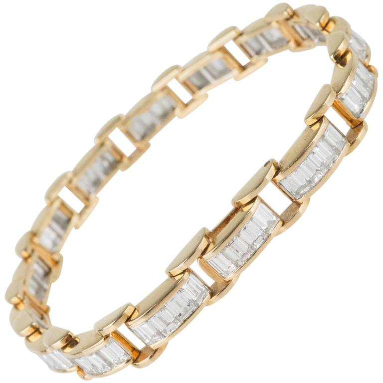 6.85 Carat & 18K Gold, GIA Certified Diamond Bracelet in a Chain Link Style For Sale