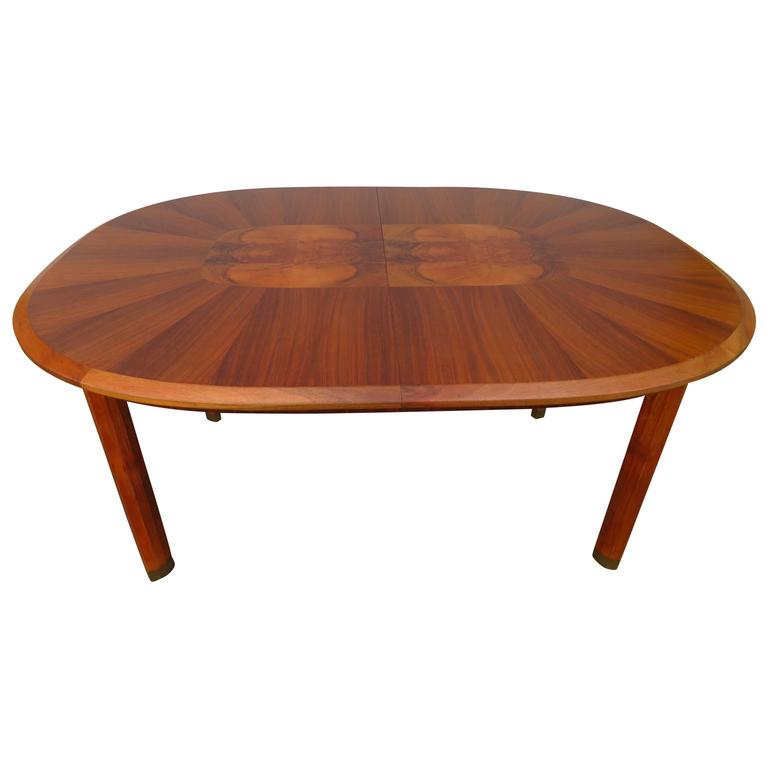 Outstanding Edmund Spence Oval Walnut Dining Table Mid-Century Modern