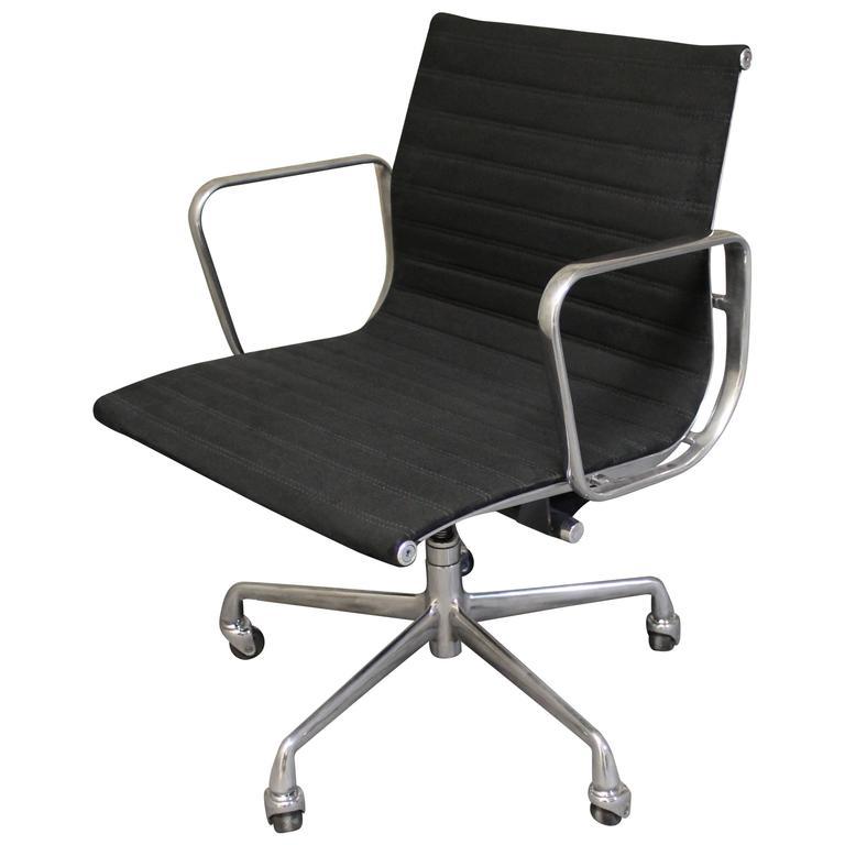 Eames Desk Chair For Herman Miller