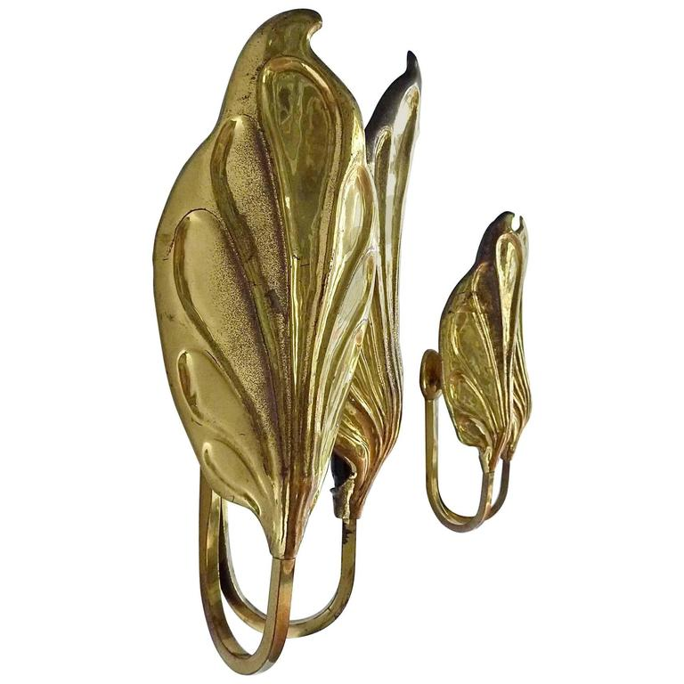 Sculptural Pair of Italian Mid-Century Brass Leaf Sconces, Tommaso Barbi, 1970s For Sale