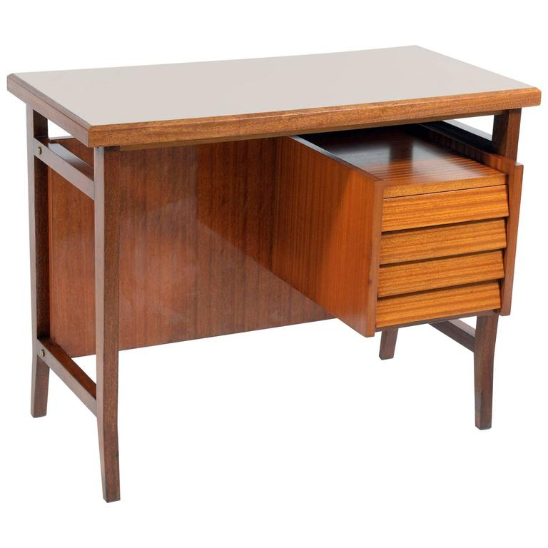 Little Italian Mid-Century Writing Desk by Gio Ponti for Schirolli